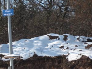 Der Bouleplatz im Schnee.jpg
